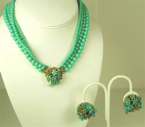 bead stores eugene oregon eugene four strand glass bead floral necklace and earrings