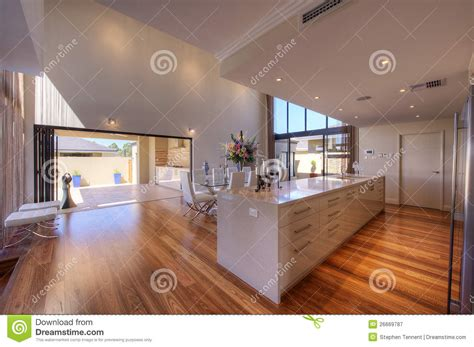 de luxueuze moderne keuken van het kombuis van het open