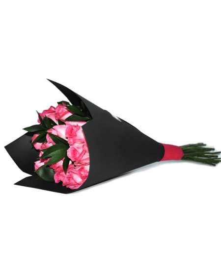 black craft paper bouquet of pink roses in black craft paper flowerscity 174