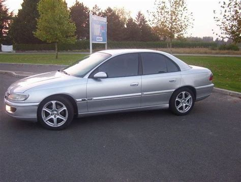 view of opel omega 2 5 td photos features and