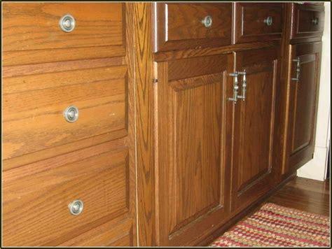kitchen cabinet knobs or pulls kitchen cabinets knobs vs handles kitchen cabinet pulls