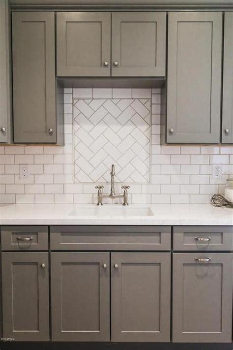 kitchen backsplash white cabinets white kitchen cabinets with slate backsplash quicua