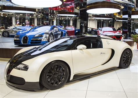 Bugati For Sale by 2009 Bugatti Veyron In Dubai United Arab Emirates For Sale