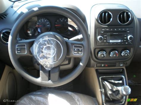 electric and cars manual 2011 jeep patriot interior lighting service manual electric and cars manual 2011 jeep patriot interior lighting 2012 jeep