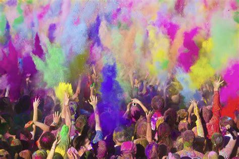 festival de painting travelers guide holi festival in india