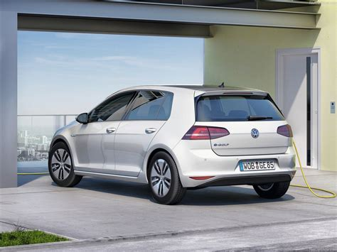 2015 volkswagen e golf pictures vw e golf 2015 rear angle 30 of 70 1280x960