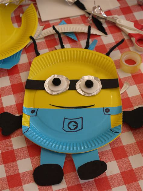 paper plate crafts paper plate minion craft here come the