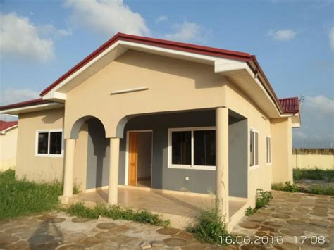 houses for rent 2 bedroom neat 2 bedroom house for rent east legon gh
