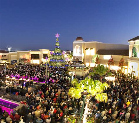 wiregrass mall light show 7 reasons to fall in florida