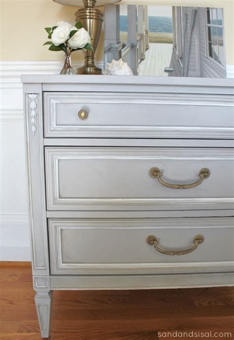 chalk paint gray dresser 1000 images about sloan chalk painting on