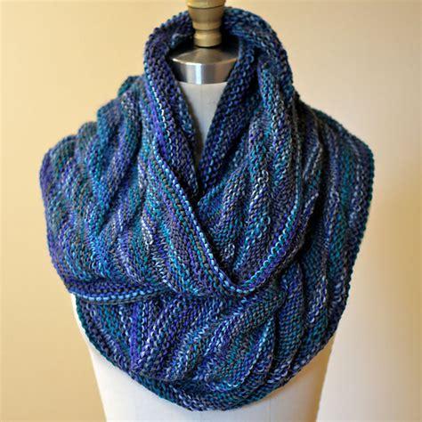 moebius knitting arrowhead moebius cowl free knitting pattern knitting