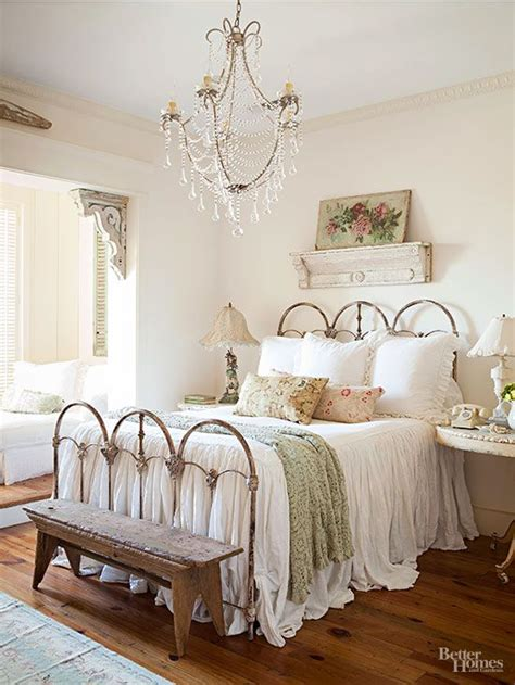 cottage style bedrooms best 20 shabby chic ideas on