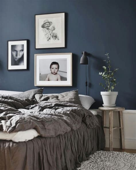 bedroom with blue walls 25 best ideas about blue bedrooms on