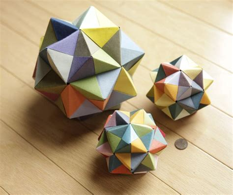 modular cube origami 複数枚でつくる多面体折り紙 コツを掴んでアート作品をつくろう iemo イエモ