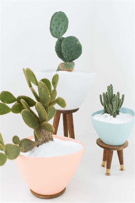 mid century planters 25 creative diy planter projects