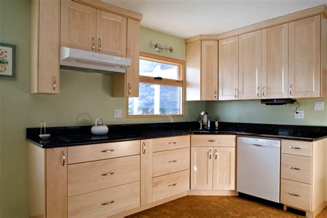 paint color for kitchen with maple cabinets kitchen paint colors with maple cabinets wall color for