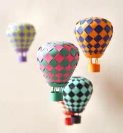 how to make an origami balloon make woven paper balls and more design inspiration