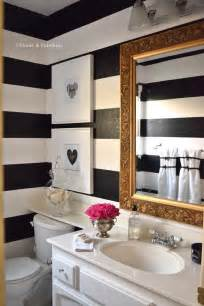 black white and bathroom decorating ideas 25 best ideas about small bathroom decorating on