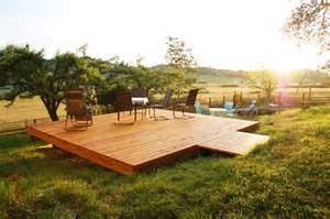 how do you build a patio triyae building a deck in a small backyard various design inspiration for backyard