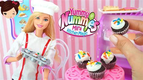 juegos de barbie cocina barbie cocina pasteles de verdad con yummy nummies juego