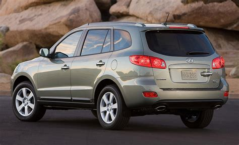 2009 Hyundai Santa Fe by Car And Driver