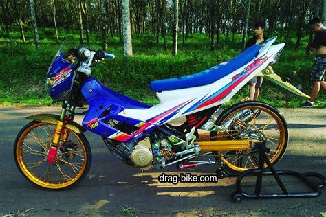Modifikasi Vespa Thailook by Harga Jual Airbrush Velg Motor Vespa Sprint Salsa Rosso