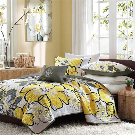 yellow and white bedding sets 20 yellow duvet sets for a happy and gaiety bedroom home