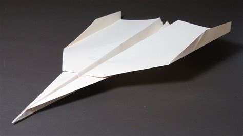 origami plane that flies easy to make paper airplanes world record paper airplane