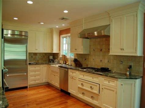 colonial kitchen design colonial style kitchens colonial kitchen design small