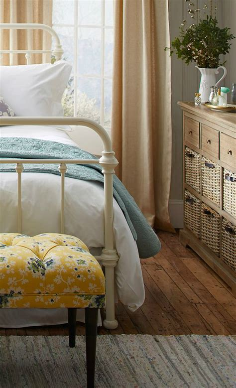cottage style bedrooms 10 steps to create a cottage style bedroom decoholic