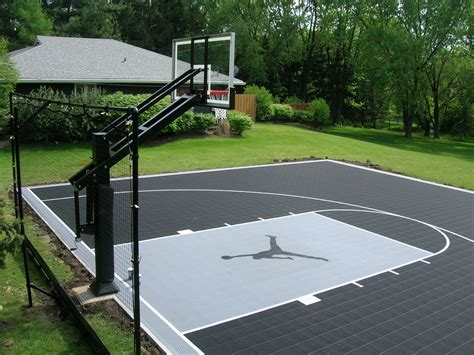 backyard court the gallery for gt backyard basketball court dimensions