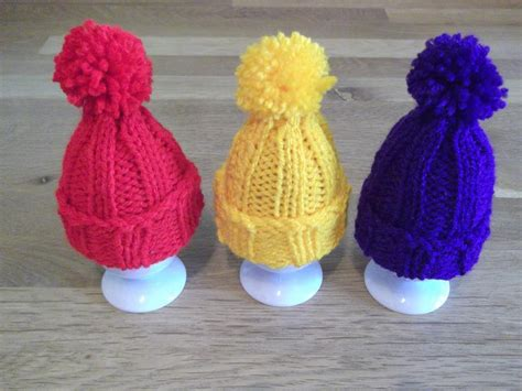 knitted egg cosy pattern egg cosy pompom hat by daisygrayknits craftsy
