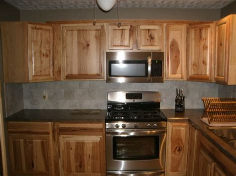 paint colors for kitchen with hickory cabinets 65 best images about hickory cabinets and on
