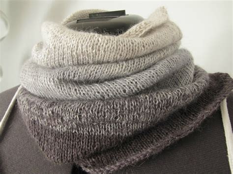 simple knitting projects ombre cowl use yarn in a gradient rather than