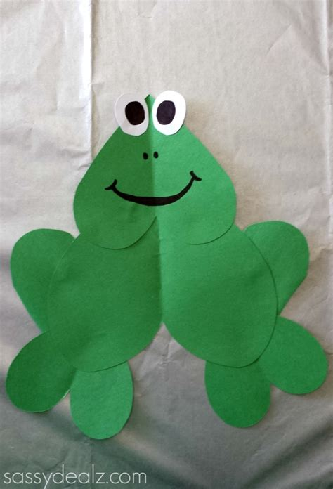 frog craft project paper frog craft for crafty morning