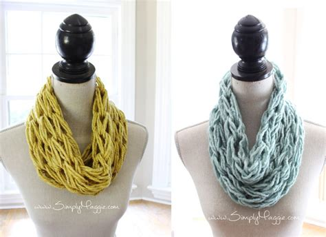 arm knitting infinity scarf how to arm knit a single wrap infinity scarf in 20 minutes