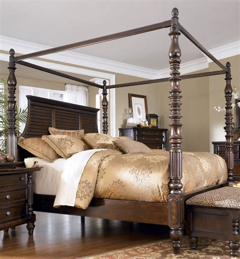 bedroom furniture canopy bed 799 key town size canopy bed from millennium by