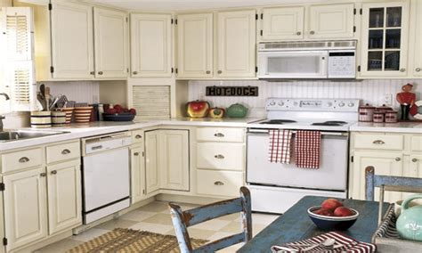 antique paint colors for kitchen cabinets antique white kitchen painted kitchen cabinets with white