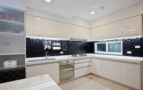 modern white kitchen cabinets modern minimalist white kitchen cabinets