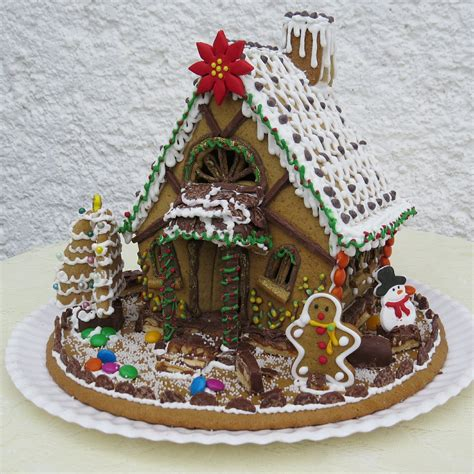 gingerbread house decorations creative diy decorations and gingerbread houses to