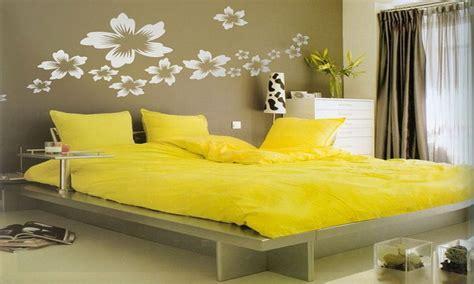yellow walls in bedroom wall pictures bedroom decorating with yellow walls
