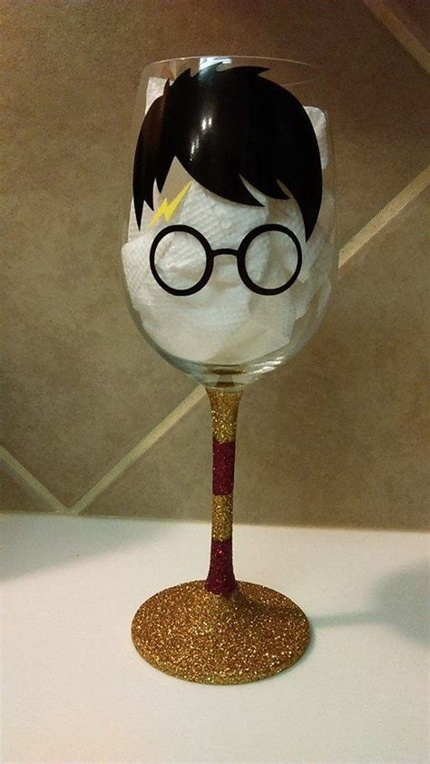 potters glass 25 best ideas about painted wine glasses on