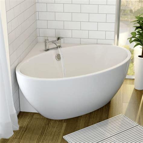 small baths with shower 25 best ideas about corner bathtub on corner