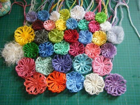 how to knit a flower on a loom 1000 images about flower loom on loom yarn