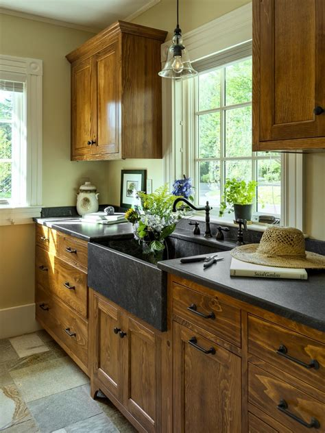 lowes refacing kitchen cabinets shaker kitchen cabinets lowes kitchen cabinets lowes how