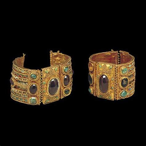history of jewelry the history of jewelry since the ancient times