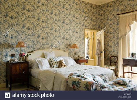 toile bedroom toile de jouy wallpaper in bedroom with floral patterned
