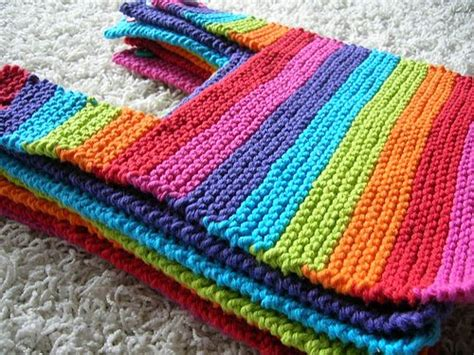 free knitted baby bib patterns these baby bibs rock need to learn to knit though baby