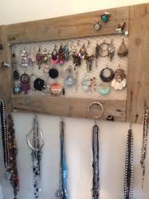 les 25 meilleures id 233 es de la cat 233 gorie porte bijoux sur porte collier rangement de