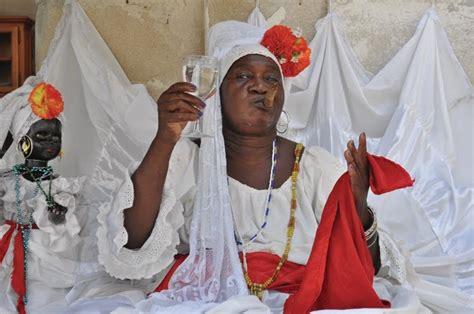 santeria religion santeria religion make amulets and necklaces ritual
